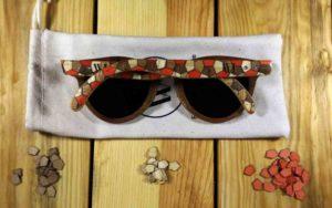 lunettes de soleil en bois et marqueterie